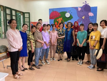 mid autumn festival foreign ambassadors visit and present gift to children with disabilities