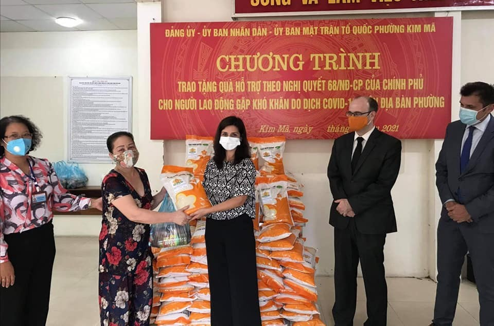 Foreign embassies support Vietnam's Covid fight on National Day