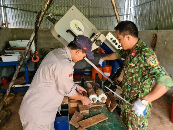Staff of Humanitarian Mine Action Organizations in Quang Tri Vaccinated
