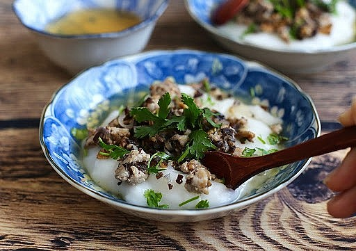 How to Make Banh Duc (Plain Rice Flan) From Leftover Rice