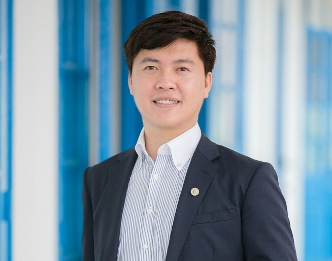 Meet The First Vietnamese Appoined As Principal in Japan