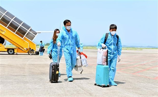 Two Flights Carrying Passengers Fully Vaccinated from The US Arrived Vietnam