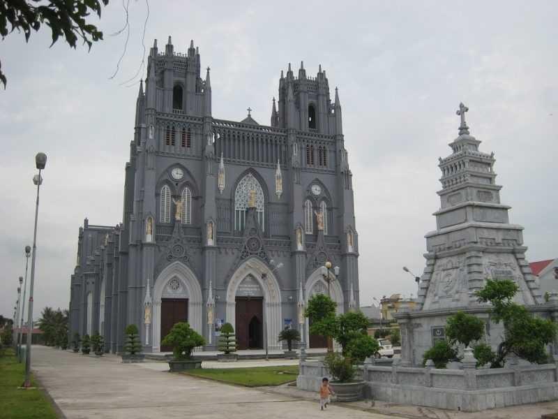 10 beautiful churches in Nam Dinh