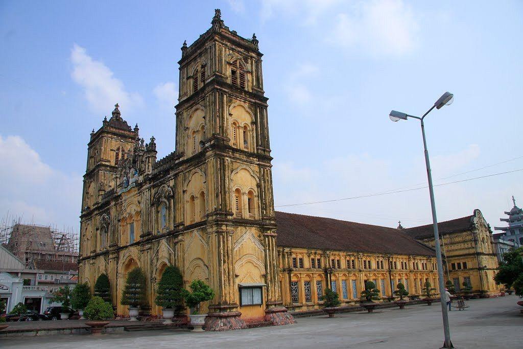 12 beautiful churches in Nam Dinh