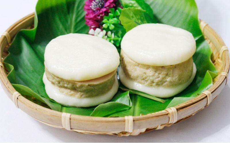 Vietnamese Banh Giay Gio Recipe – 2 Ways of Making Steamed Rice Cakes and Pork Rolls