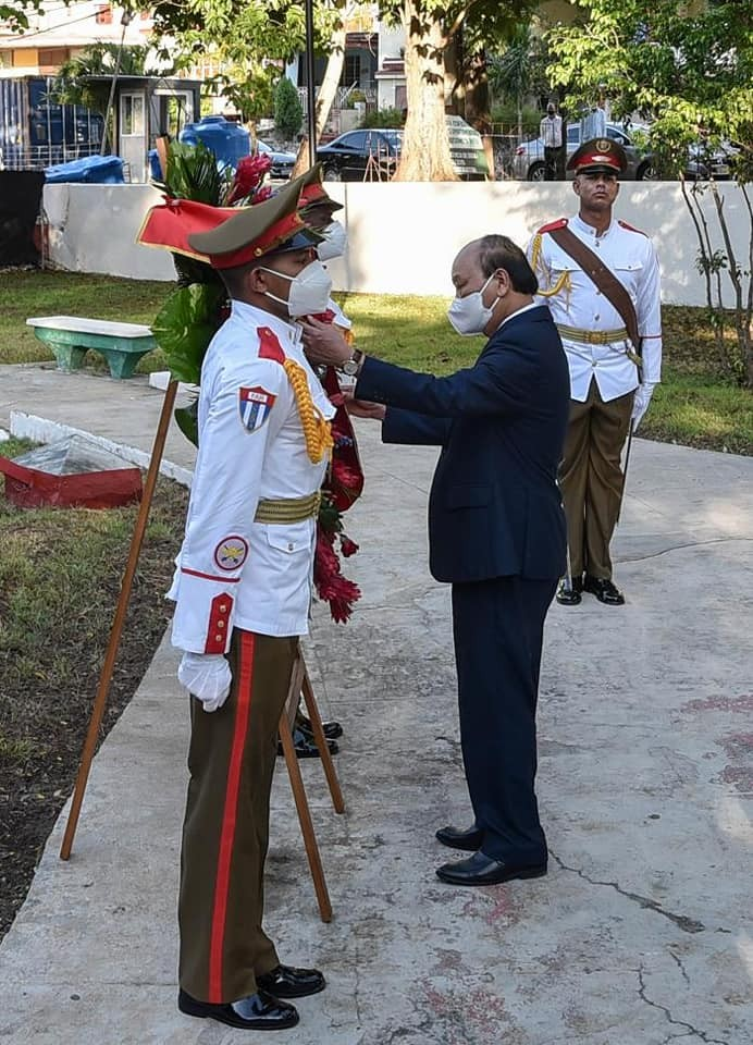 Vietnamese President Honoured with The Noblest Reward of Cuban State