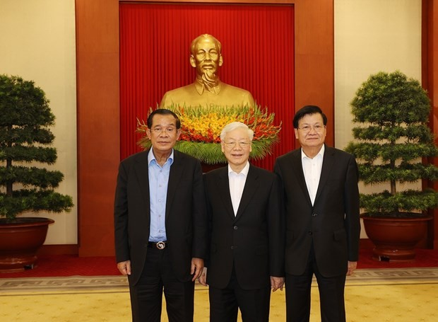Vietnamese, Cambodian, Lao Top Leaders Hold Trilateral Meeting