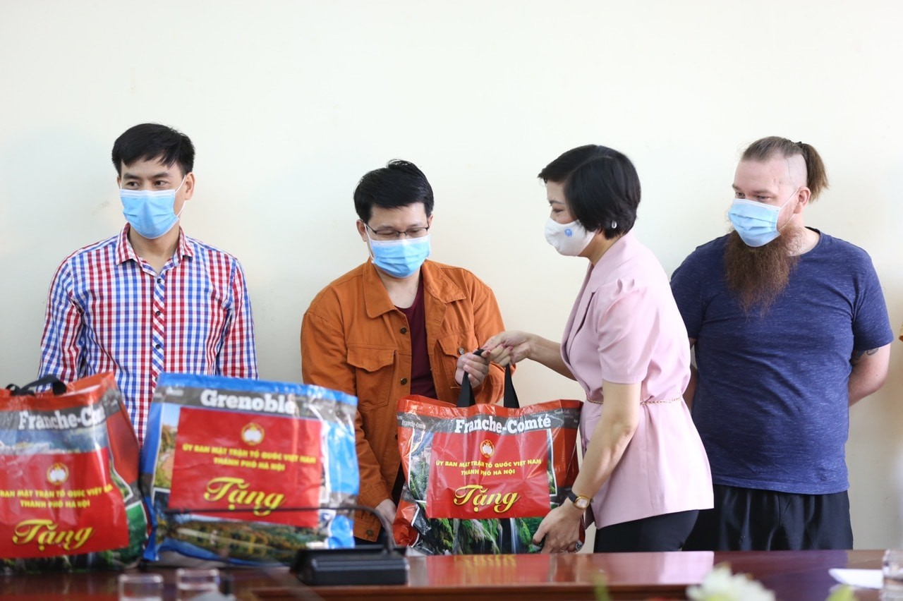 Foreign NGOs join hands to prevent and control the Covid-19 in Dong Nai
