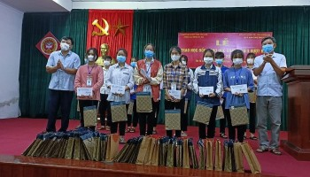 Zhishan's Scholarships Give Strength to Disadvantaged Children