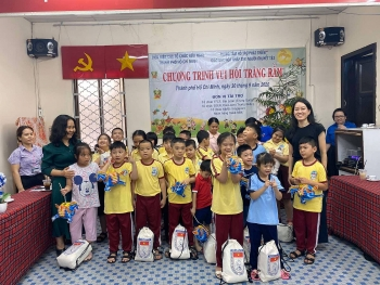 mid autumn festival activities for disadvantaged children held by hufo