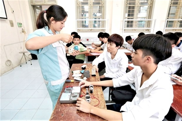Workers affected by COVID 19 in eight cities and provinces to receive vocational training