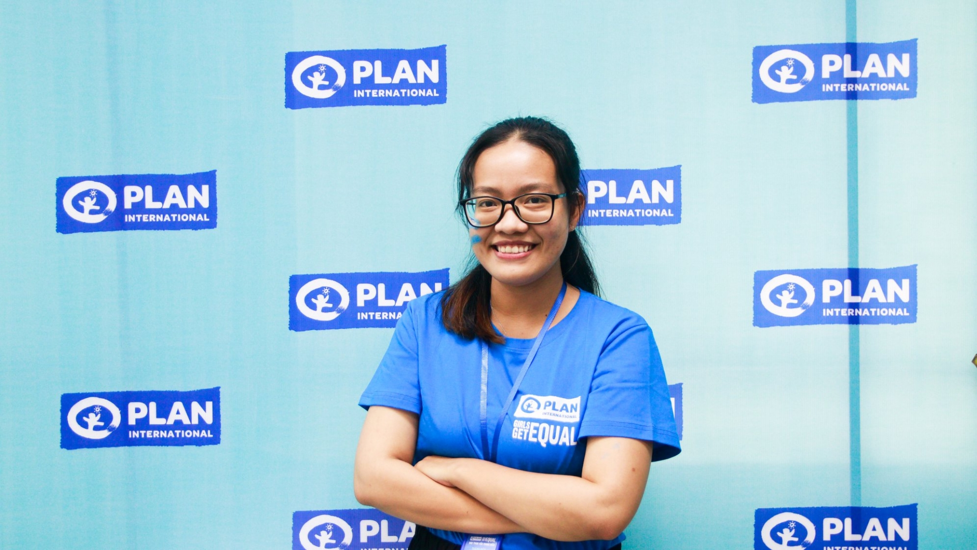 vietnamese youth spreads message of encouragement for girls across the world
