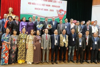 vietnam hungary friendship association holds fifth congress