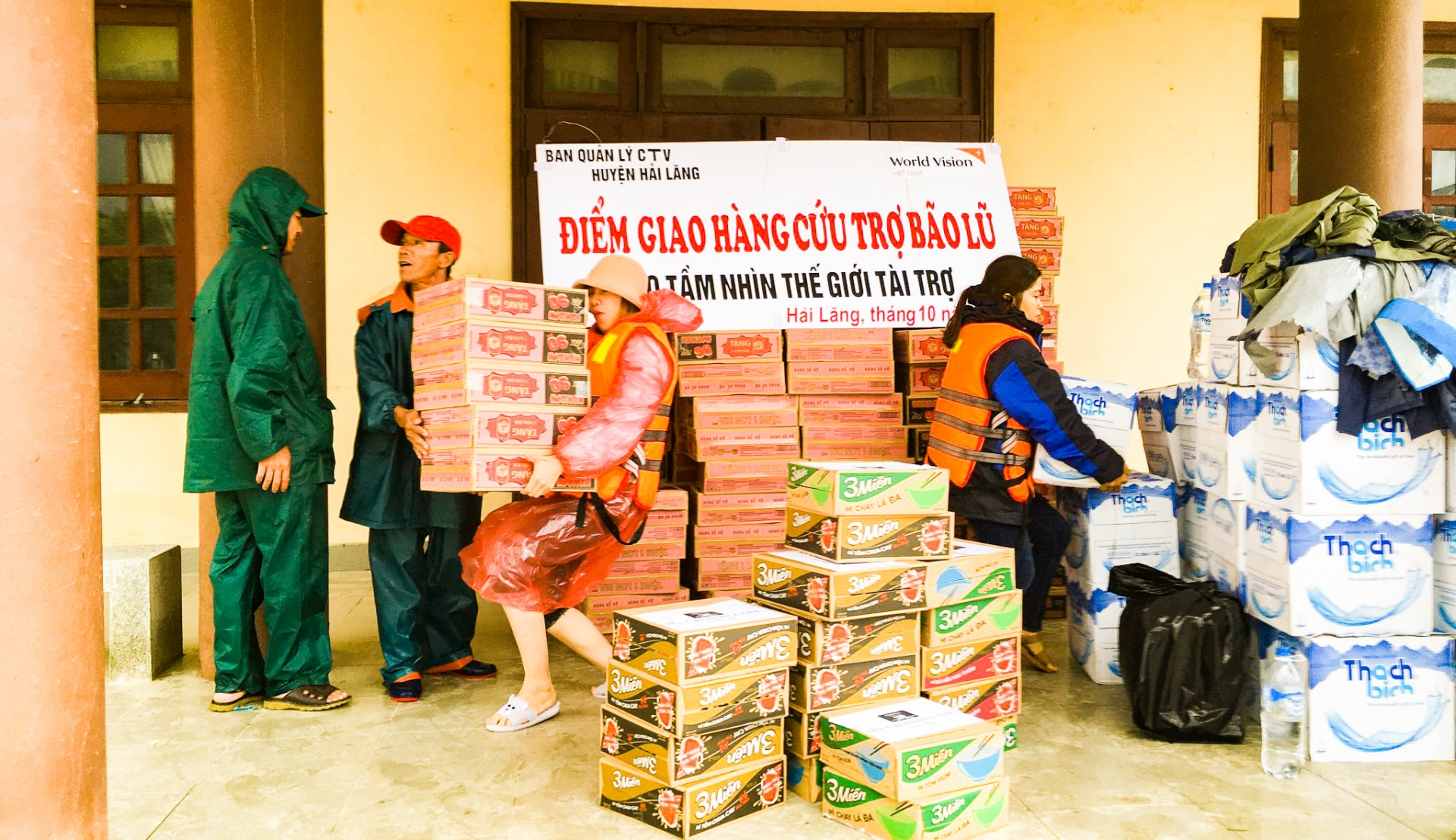 Flood hit 645 households continue receiving emergency relief aid