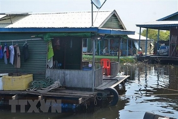 usd 27050 raised for vietnamese cambodians living on tonle sap water