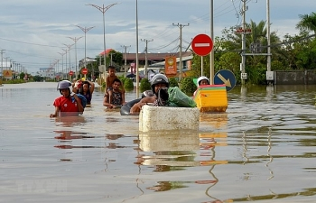 vietnamese leader extends sympathy over flooding in cambodia