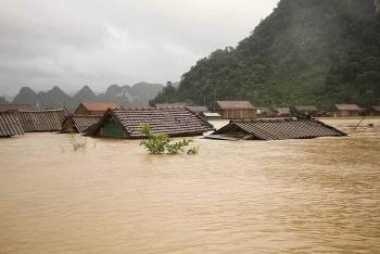 vietnamese communities abroad raise fund to help flood victims