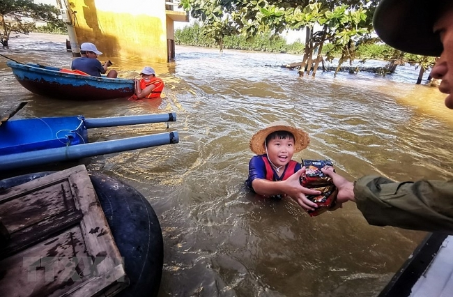 More relief funds to flood-hit localities in Vietnam