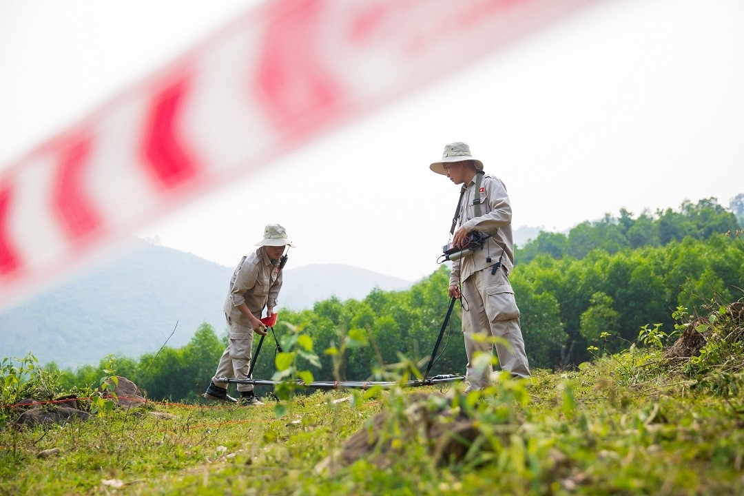 500,000 ha of land being detected and cleared of bombs, mines
