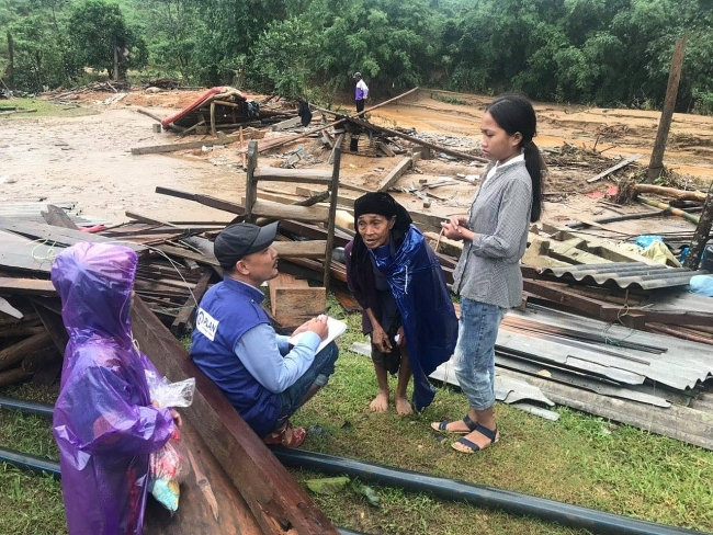 Help pouring in for flood-relief efforts in central Vietnam