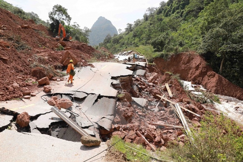 Plan International provides aid for flood hit residents in Quang Binh