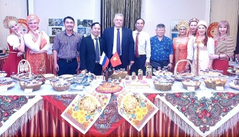 vietnam russia friendship exchange held in southern province
