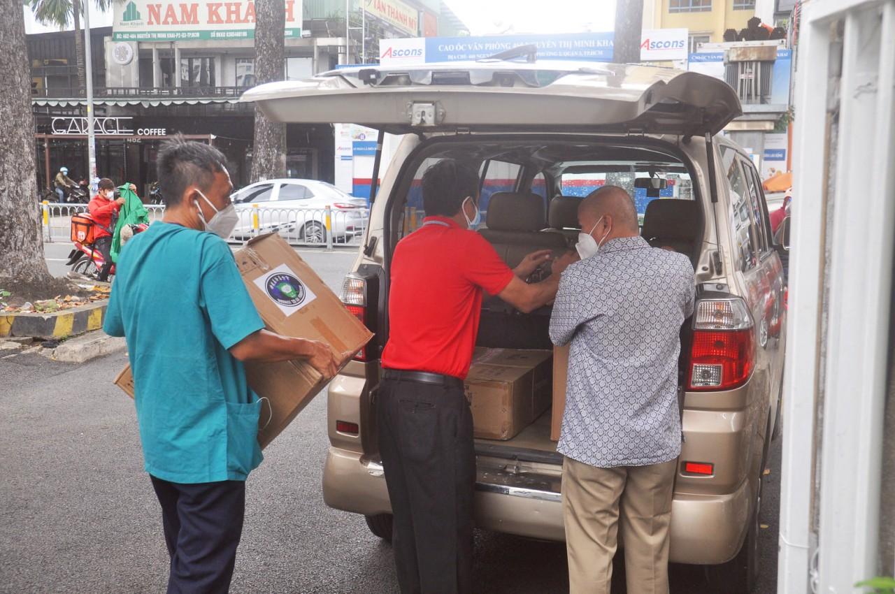 Buddhist Tzu Chi Foundation Shares Burden with Covid-hit Vietnam