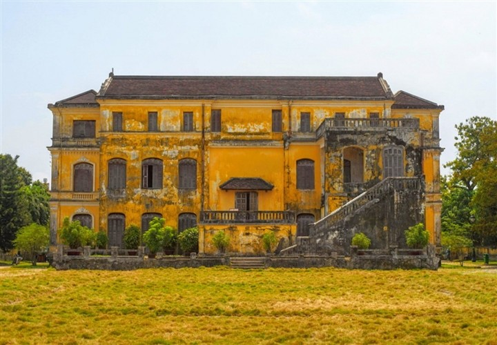 The Splendor of Unique 104-Year-Old 'Castle' in Hue