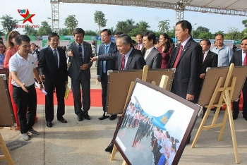 Vietnam – Laos special friendship festival kicks off in Nghe An