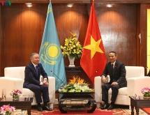 top legislator kazakhstan can partner with da nang in light industry import export tourism