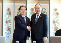 pm meets with overseas vietnamese in rok