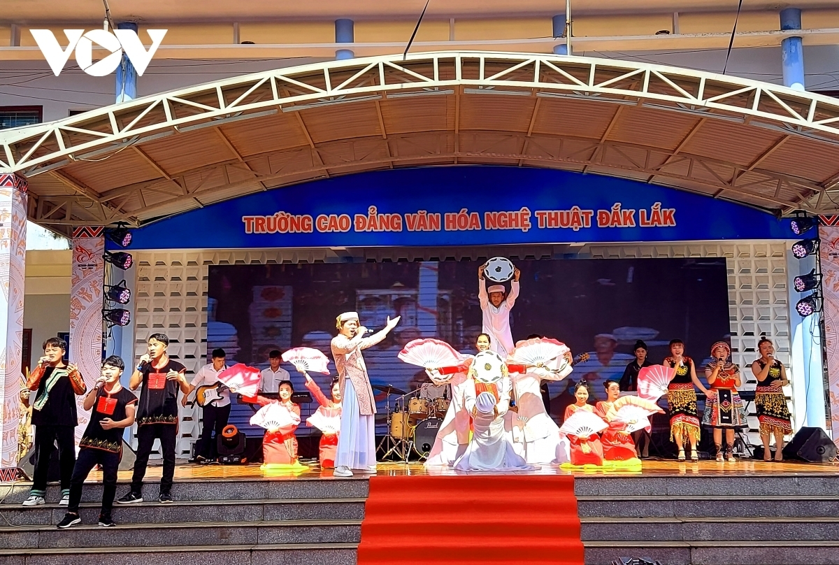 Vietnam indonesia cultural contest held in dak lak