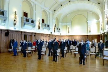 diverse activities mark vietnam hungary diplomatic ties despite covid 19