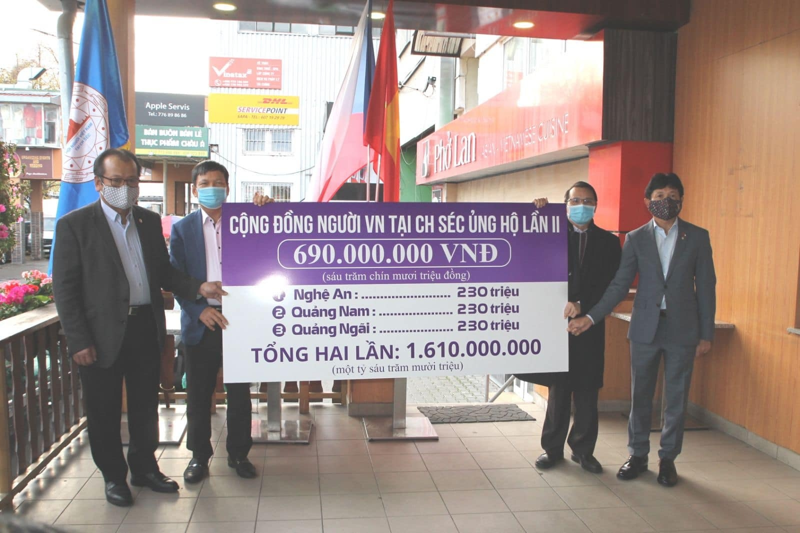 Overseas Vietnamese communities continue supporting flood victims