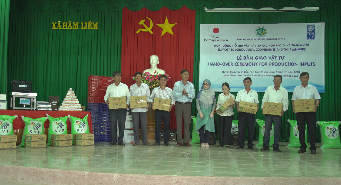undp supports poor farmers in binh thuan affected by covid 19