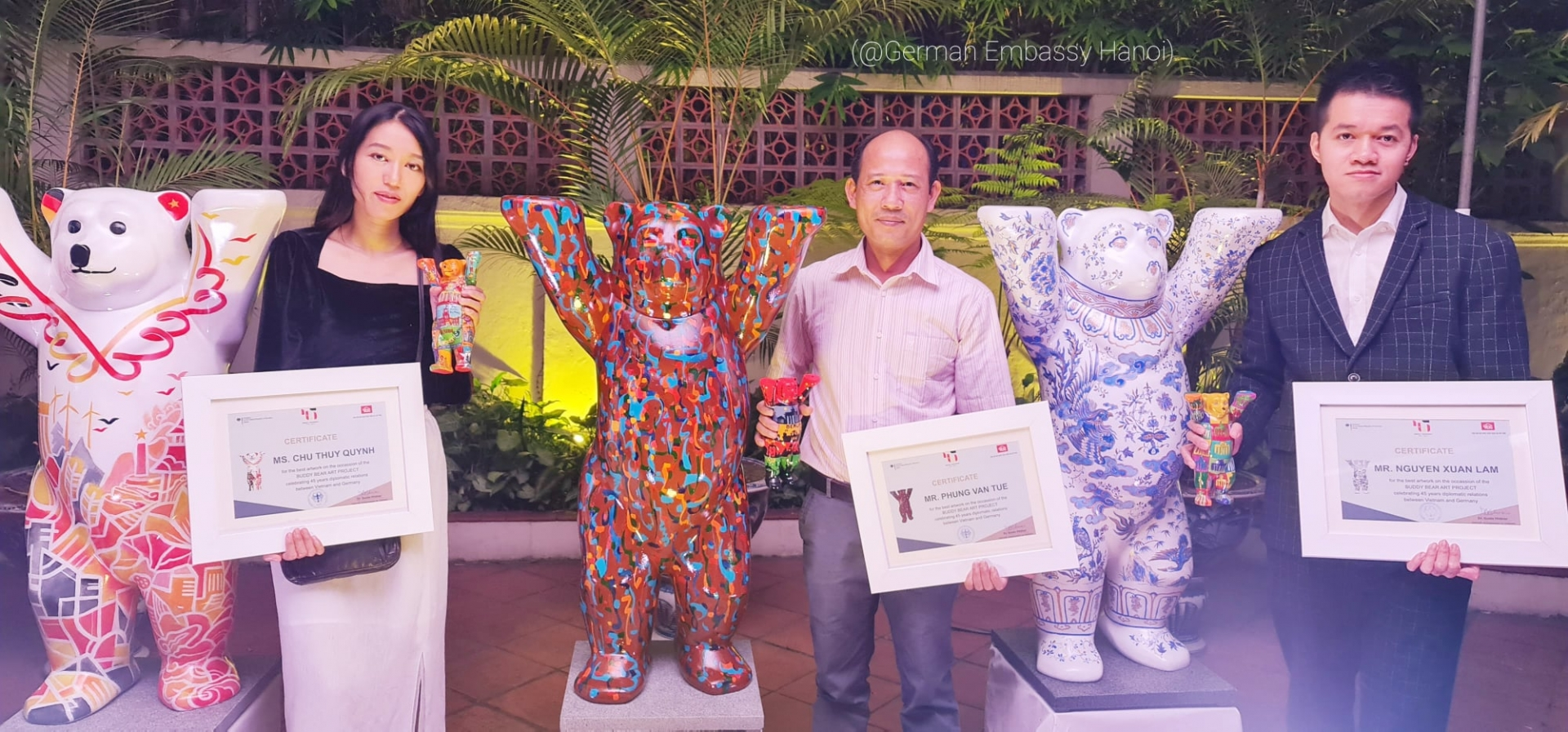 Buddy Bear painting contest