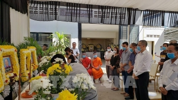 embassy hands over bodies of vietnamese traffic victims in cambodia to families