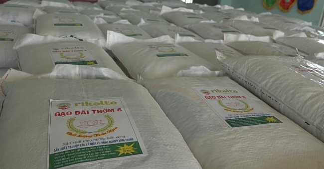 Tons of rice provided to 400 households in disaster-hit Quang Ngai province