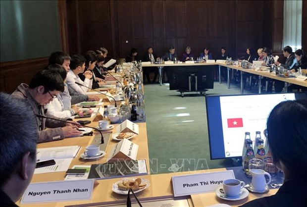 germany holds training course for vietnamese health business managers