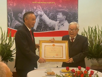 Ministry of Agriculture and Rural Development honors Vinh orange's Father