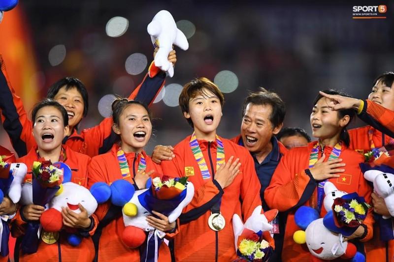 PM congratulates women's football team on SEA Games gold medal