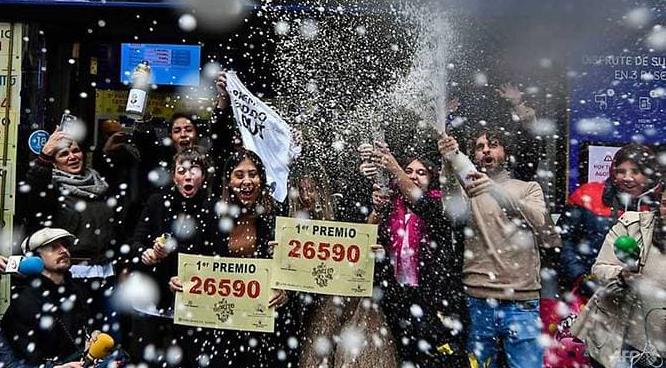 winners of worlds richest lottery el gordo announced