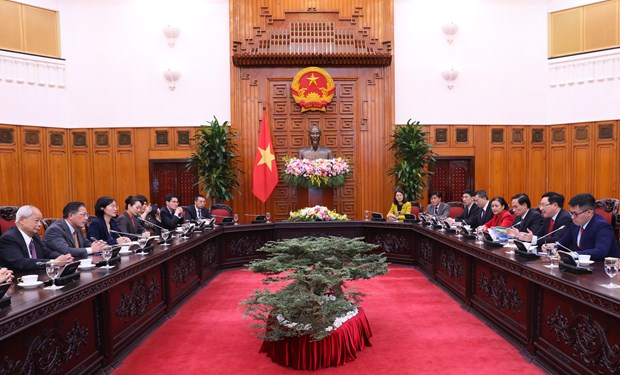 deputy pm meets delegates to vietnam china peoples forum