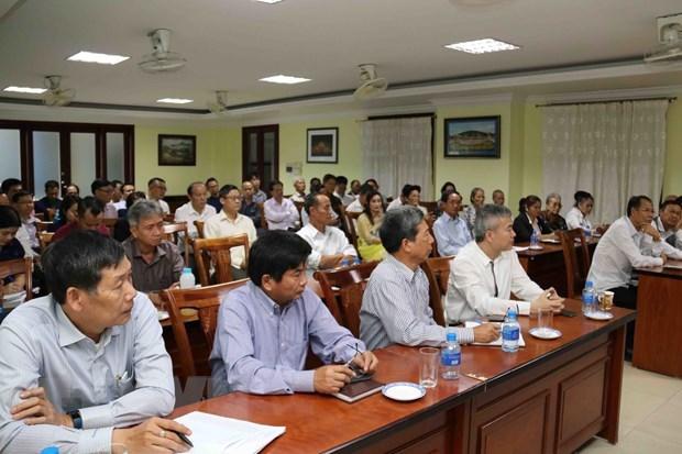 vietnamese in laos work to strengthen solidarity