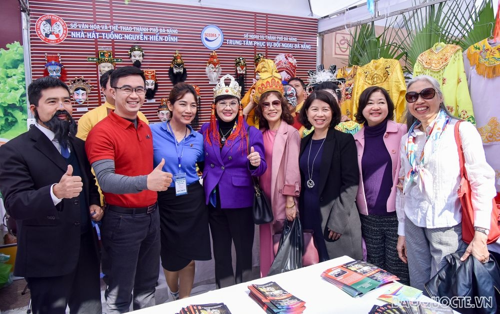 Int'l Food Festival serves up global flavors in Hanoi