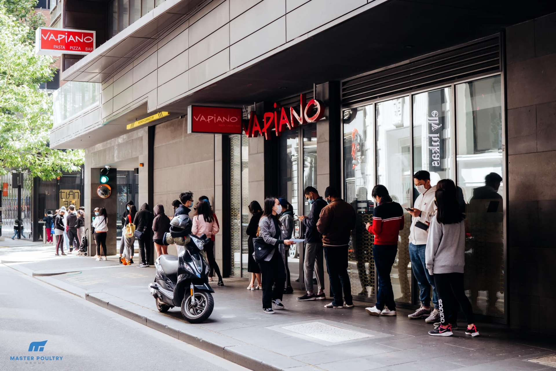 Vietnamese owned business in australia support community amid pandemic