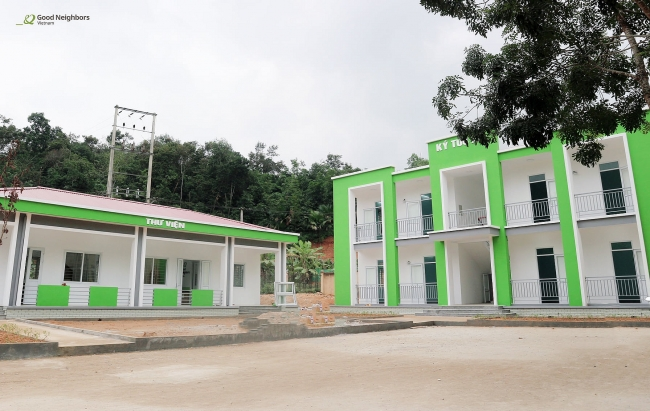 Korean NGO builds new dormitory and library for Vietnam's rural boarding school