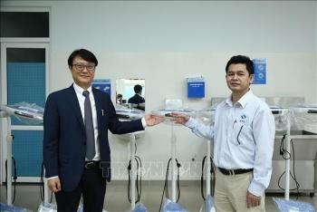 quang ngai province da nang city receive medical supplies from rok