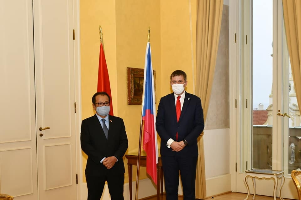 Vietnamese Ambassador pays courtesy visit to Czech's Foreign Minister