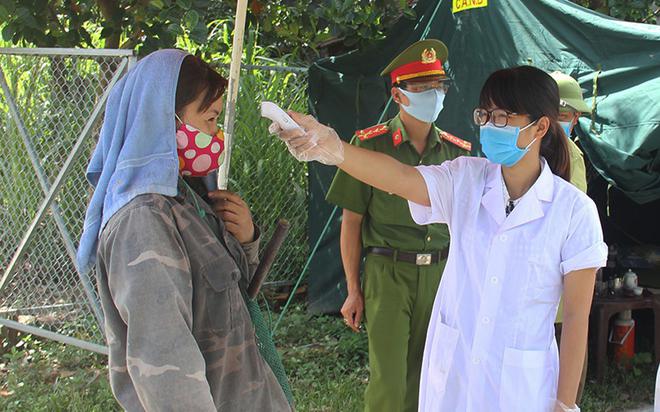 Vinh Phuc ends distancing, Bac Giang quarantines 3 more districts